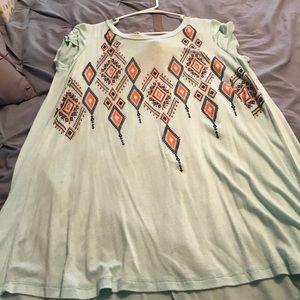 Aztec tie back tunic. Never worn. Medium.